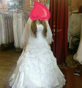 Свадебное платье . прокат. Продажа