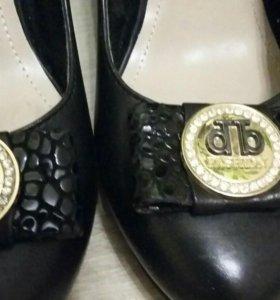 Туфли кожанные р.38-39.