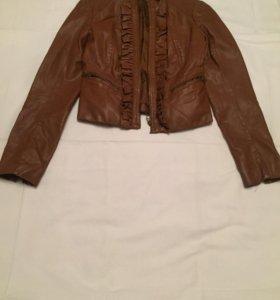 Куртка кожаная размер 42 одевала 2 раза !
