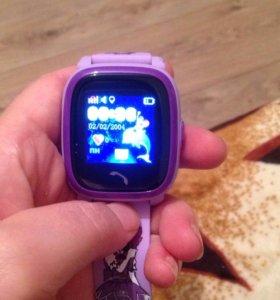 Детские часы телефон. В наличии. Хороший подарок.