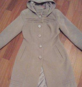 Пальто женское осень-весна размер 40-42