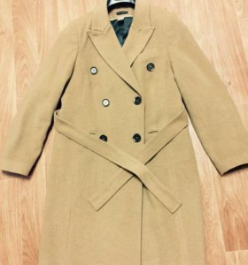 Бежевое пальто Laura Clement