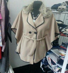 Пальто-пончо женское.
