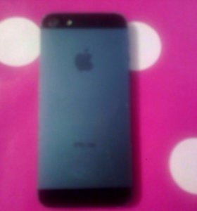 iPhone 5 ,наушники,3 чехла, 2зарядки