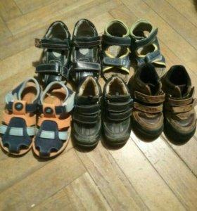 5 пар обуви р.21-22