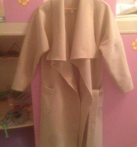 Модное пальто-халат