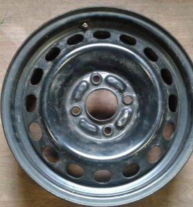 Штампованный диск R15