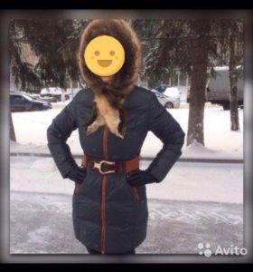 Пуховик зимний с капюшоном натуральным мехом
