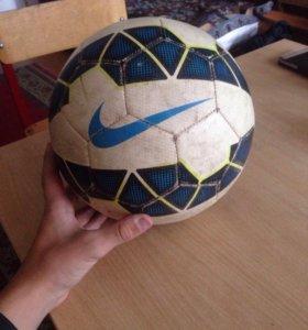 Футбольный мяч(оригинальный)