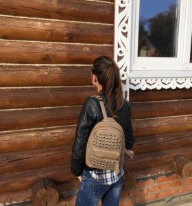 Бежевый рюкзачок