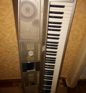 полупрофессиональный синтезатор Yamaha dgx-305