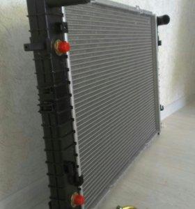 Радиатор охлаждения Kia Sportage 2, Hyundai Tucson