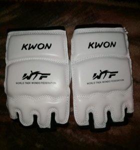 Перчатки для боев