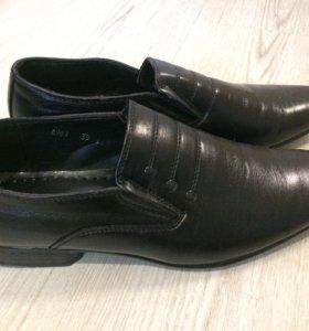 Туфли мужские 39 размер