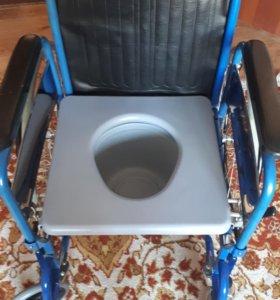 Кресло-коляска с биотуалетом