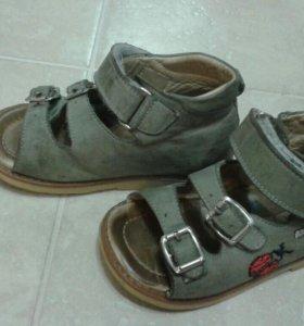 Кожаные сандалии. Торг