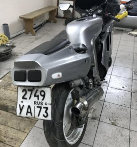 Мотоцикл Suzuki gsx r400r