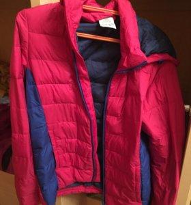 Женская куртка.Оригинал Adidas.Размер xs.