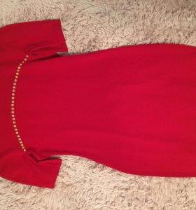 Новое Платье красное 42-44