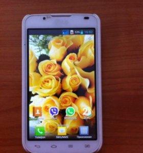 Подам cмартфон LG P715 Optimus L7 II Dual.