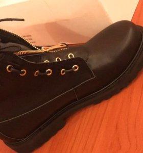 Новые ботинки чёрные 37 р-р