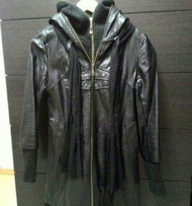 Куртка кожаная на холодную осень,весну 42-44