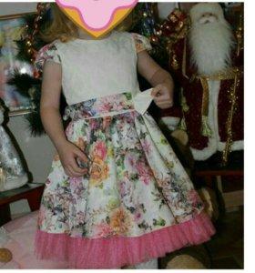 Платье, рост 104.