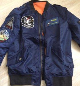Мужская военная куртка ветровка с нашивками