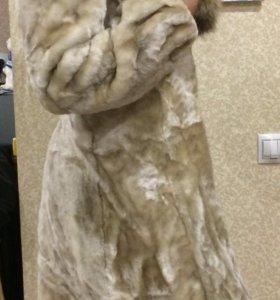 Настоящая Шубка- мутон, с натуральным мехом -писец