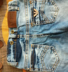 Стильные джинсы Армани