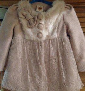 Детское пальто на девочку