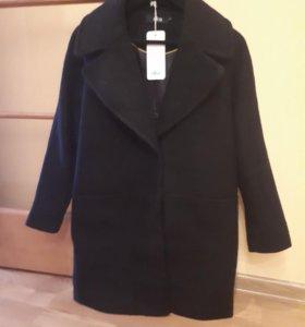Новое пальто.