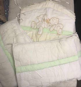 Бортики и одеяло в кроватку