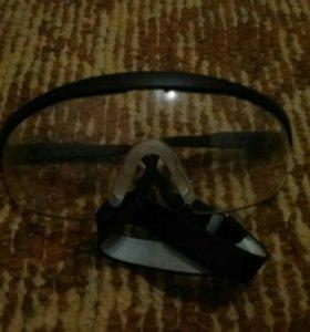 Спортивные очки.