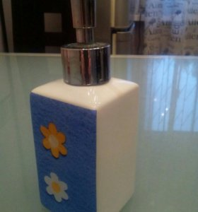Диспенсер для жидкого мыла