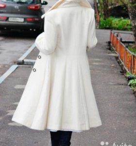 Пальто осеннее шерстяное белое