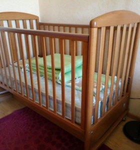 Кроватка детская и постельное белье