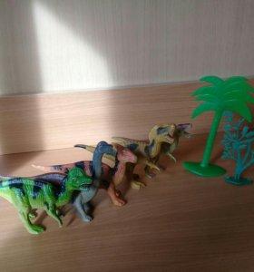 Игрушки динозавры (пластмассовые)