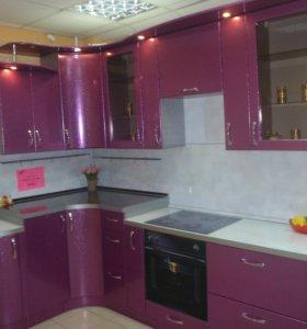 Кухонный гарнитур с образца мебельного салона