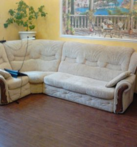 угловой раскладной диван и кресло