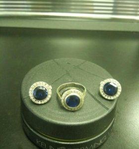 Серебрянные серёжки и кольцо