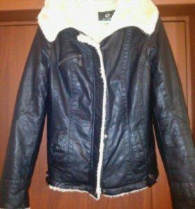 Куртка коженная 48р