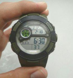 Зелёные водонепроницаемые часы(новые есть пломба)