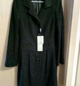 Пальто (новое) демисезонное 44-46