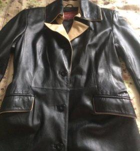 Кожаное плащ-пальто