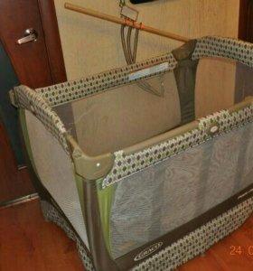 Детский манеж кровать Graco Cuddle Cove