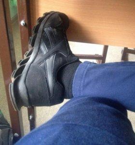 Продам кроссовки rebook
