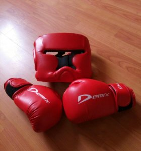 Шлем и перчатки demix