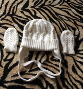 Комплект( шапка+варежки) для новорожденного
