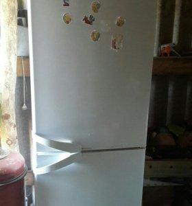 Холодильник(читайте описание)